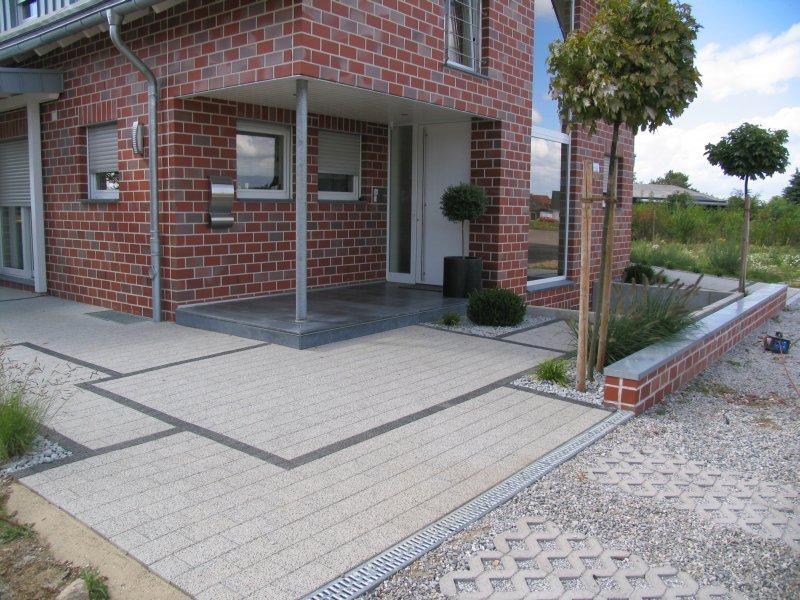Fertiger hausgarten for Gartengestaltung 400 qm