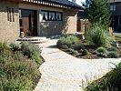 Vorgarten 200 qm mit naturstein mediterran for Gartengestaltung 100 qm