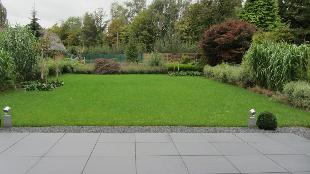 Gr ser garten nach der fertigstellung for Gartenanlagen beispiele