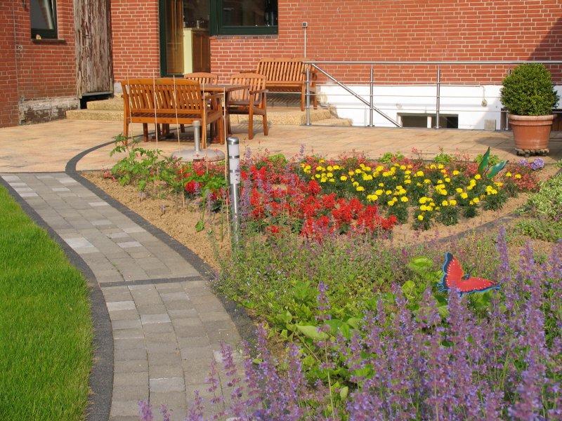 Garten bilder vom fertigen zustand for Gartenidee beet