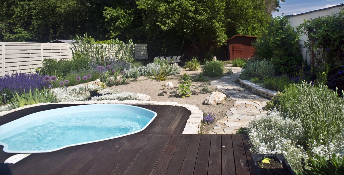 pool kleiner garten pool kleiner garten haus dekoration pool kleiner garten gartengestaltung. Black Bedroom Furniture Sets. Home Design Ideas