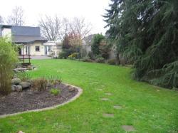 Garten vor der Umgestaltung, Blick zum Wohnhaus