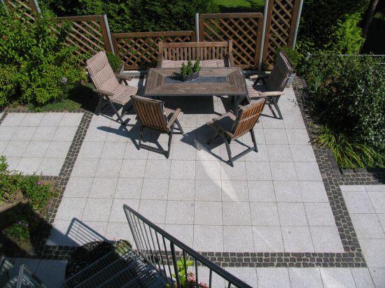 granit terrasse mit basalt b nderung. Black Bedroom Furniture Sets. Home Design Ideas