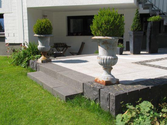 terrasse tiefer als garten bethke u garten und landschaft terrasse tiefer als garten. Black Bedroom Furniture Sets. Home Design Ideas