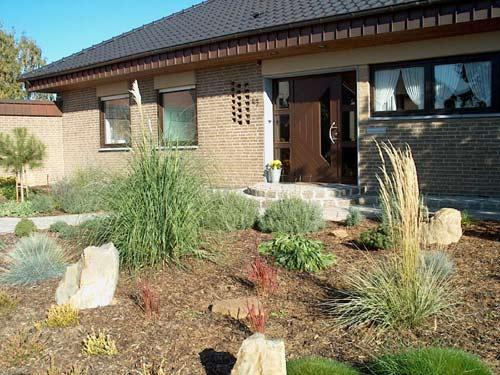 vorgarten 200 qm rustikal mit naturstein