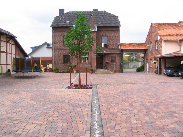 Neuer innenhof f r einen bauernhof - Gartengestaltung bauernhof ...