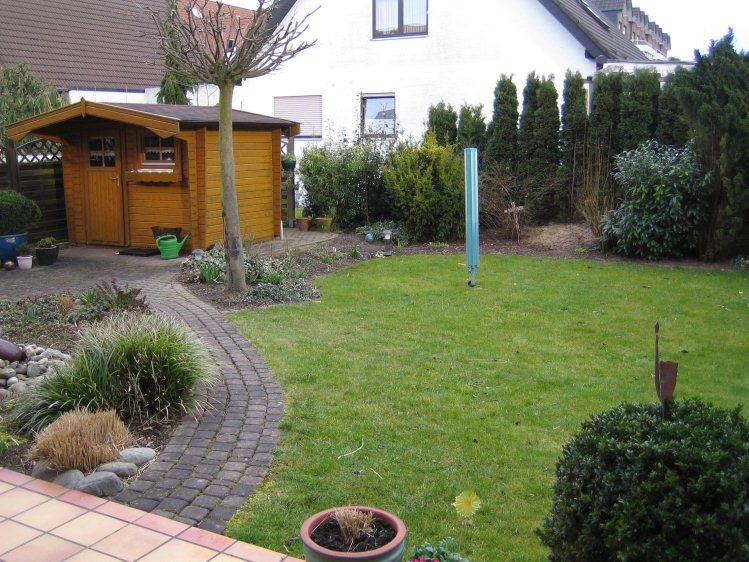 Garten umgestalten  Alter Garten wird zum Wohngarten