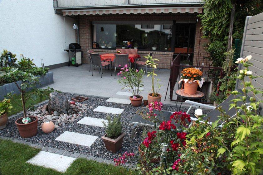 Reihenhaus garten nach der fertigstellung for Gartengestaltung 100 qm