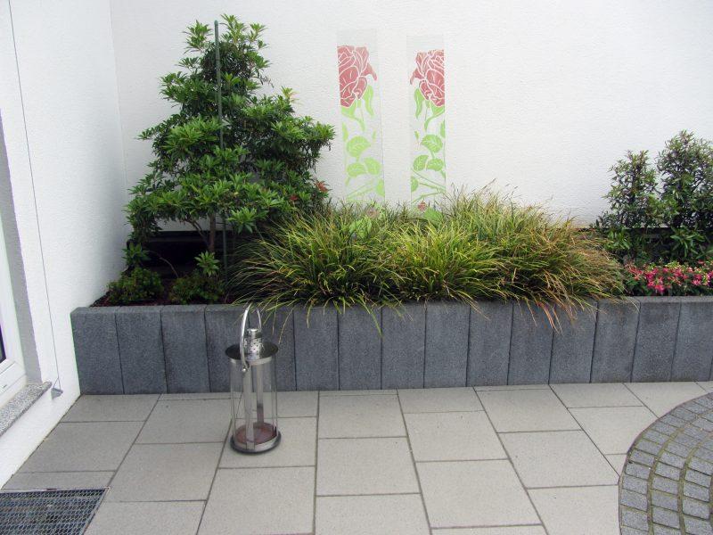 Kleiner garten mit hochbeet for Gartengestaltung 100 qm