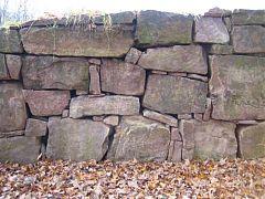trockenmauer bauen im garten