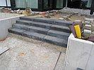 Blockstufen aus Beton anthrazit