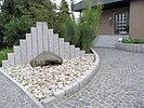 Quellstein vor Granit-Palisaden