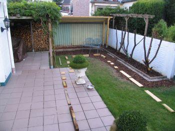 ein nicht gerade moderner 80 qm Garten vor der Umgestaltung