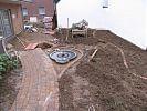 Weg im Garten zur Terrasse pflastern
