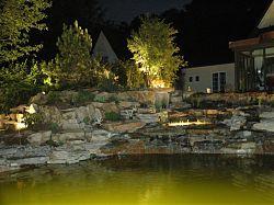 Beleuchtung am und im Wasser