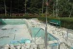 Abbrucharbeiten am Naturbad-Becken