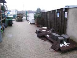 alter Lagerplatz - hier soll ein neuer Muster-Garten entstehen