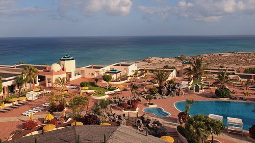 Außenanlagen Hotel mit Poollandschaft