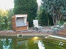 Terrasse in der Abendsonne am Wasser