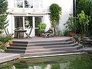 relaxen auf der Terrasse am Schwimmteich