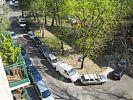 beidseitig zugeparkte Einbahnstraße