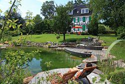 Garten mit Naturbadeteich