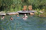 Naturbadeteich-Familienbadespaß