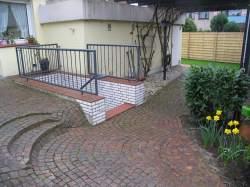 Stufen aus Porphyr vor der Umgestaltung